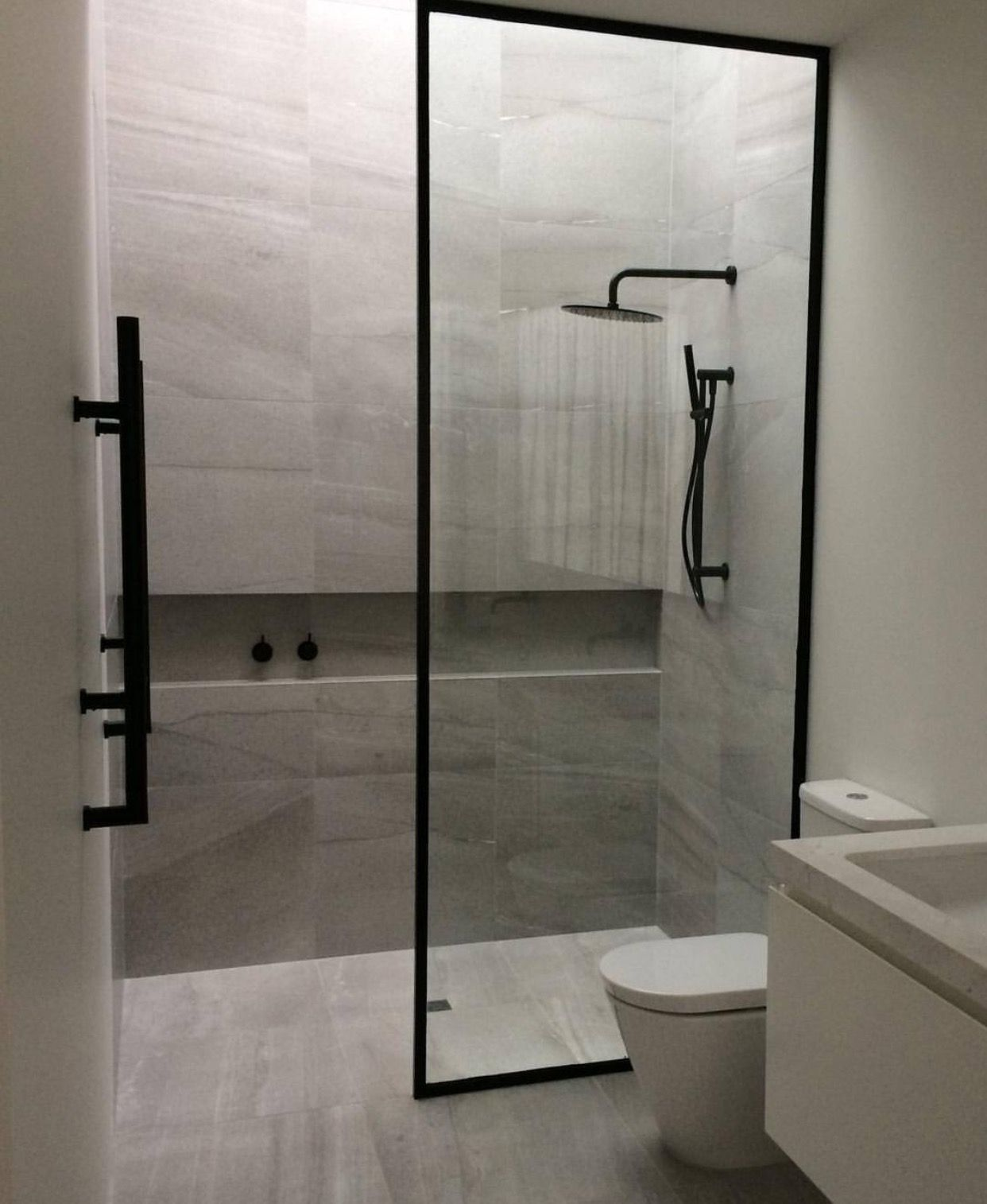 Glass tub shower divider asian