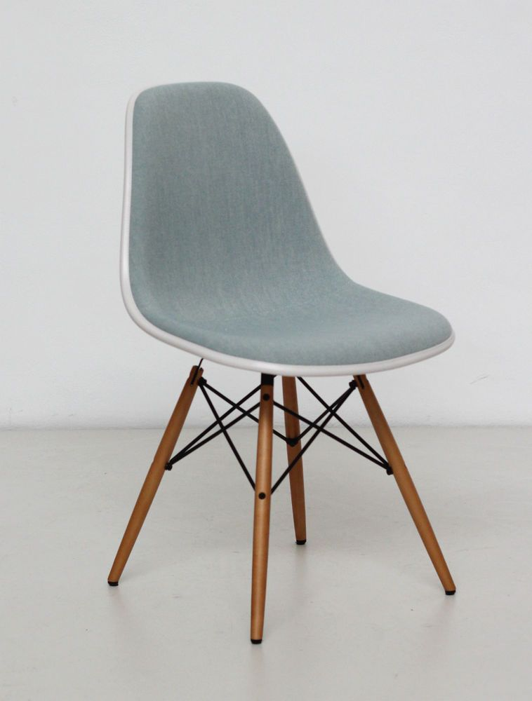 vitra eames plastic side chair dsw cream shell ice blue fabric stuhl stuff chair side. Black Bedroom Furniture Sets. Home Design Ideas