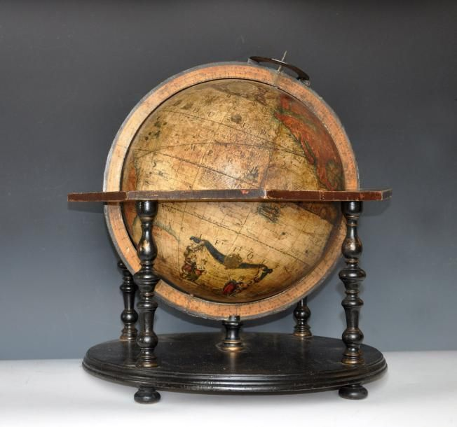 nicolas bion 1652 1733 globe terrestre de table en bois. Black Bedroom Furniture Sets. Home Design Ideas