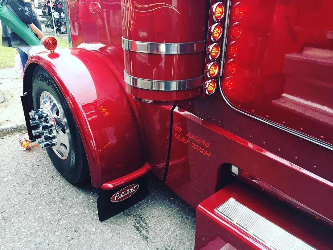 Pin By Bryan On Trucks And Buses Big Trucks Kenworth Trucks Custom Trucks