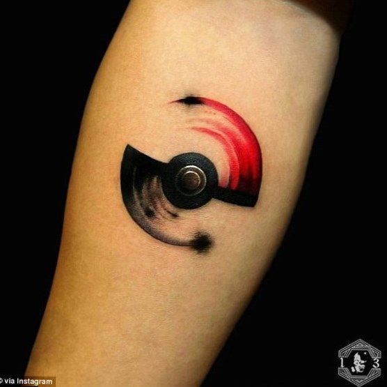 Lauren Ingram For Daily Mail Australia Hot Tattoo Geek Tattoo Pokemon Tattoo Pokeball Tattoo