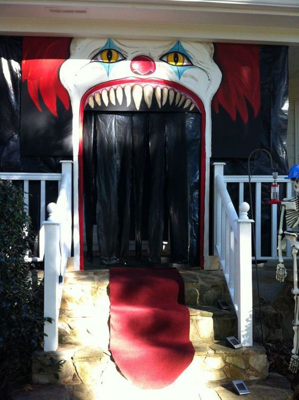 20 Cool And Scary Clown Halloween Decorations Decorating 2018 - scary door decorations for halloween