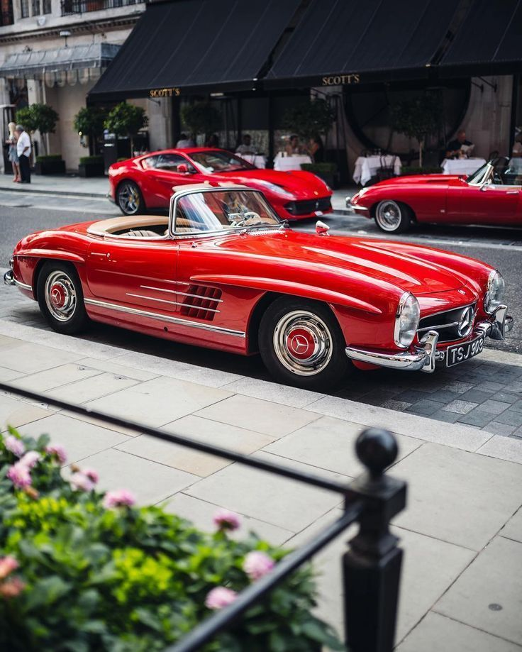 Mount Street rarely disappoints. #class #300sl #812sf #etype –  – #Street