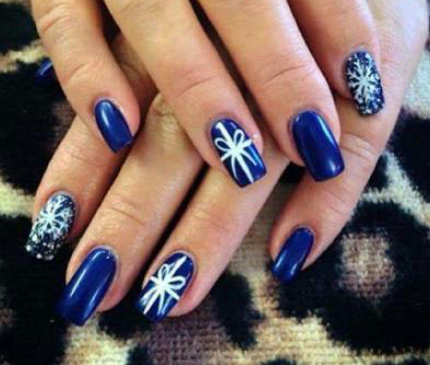 Pin von Krystal Parkinson auf Christmas Nails | Pinterest