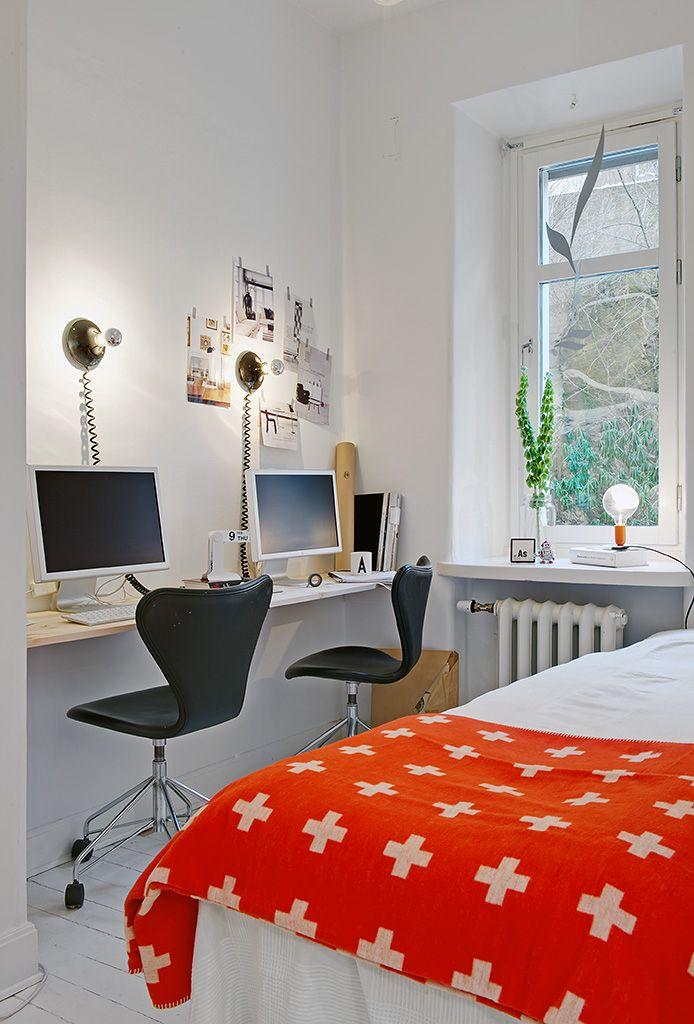 shared desk in bedroom...great blanket
