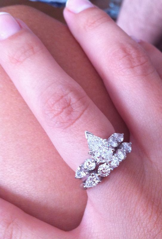 pear ringhelp with wedding band weddingbee boards - Pear Shaped Wedding Ring Sets