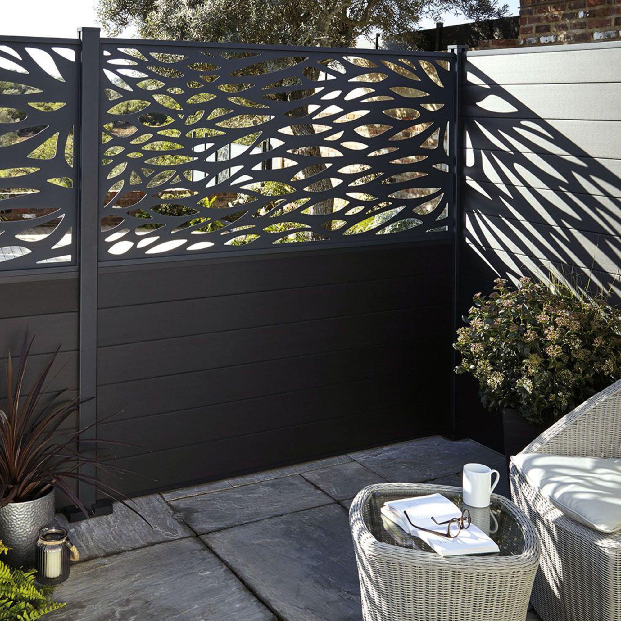 Brise Vue En Aluminium Ajoure With Images Modern Fence Design
