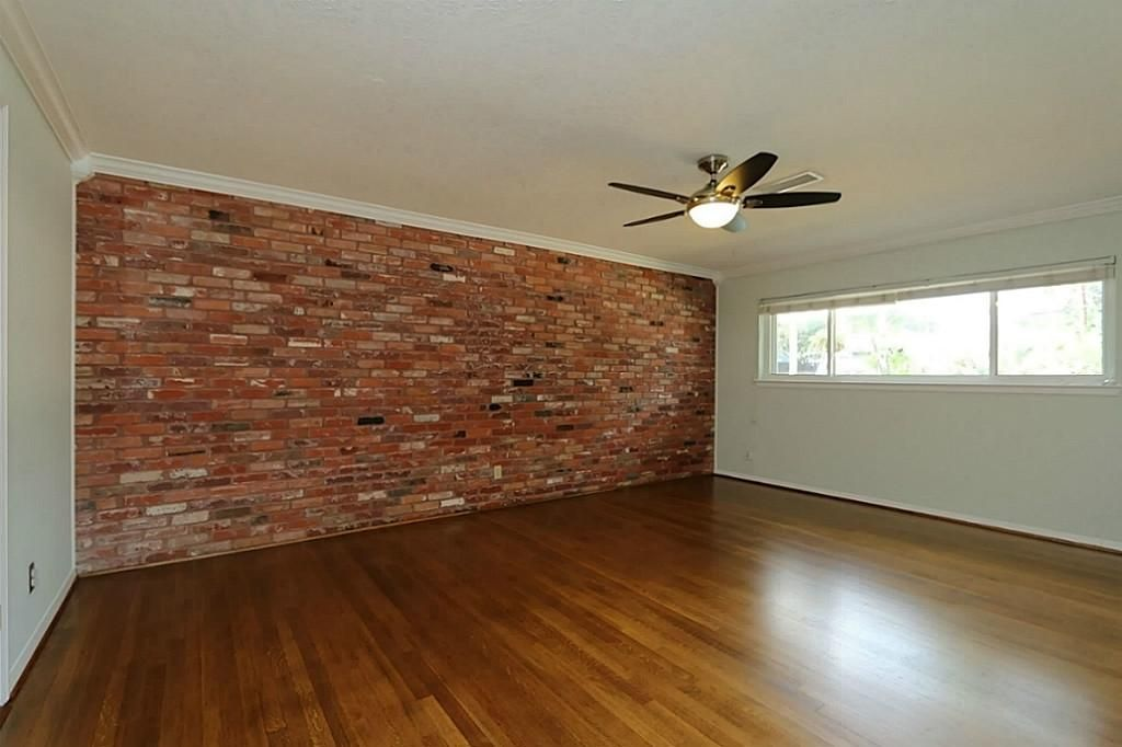 Just shoe molding on brick wall   Hwy 205   Pinterest ...