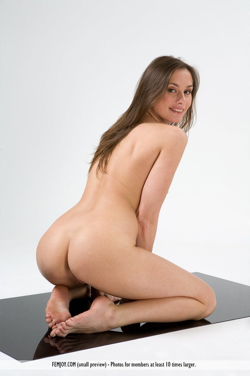 Simplicity Picture  From Femjoy My Naked Babes
