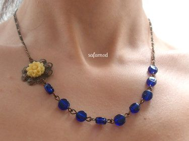Pearls necklace color block blue glass yellow flow