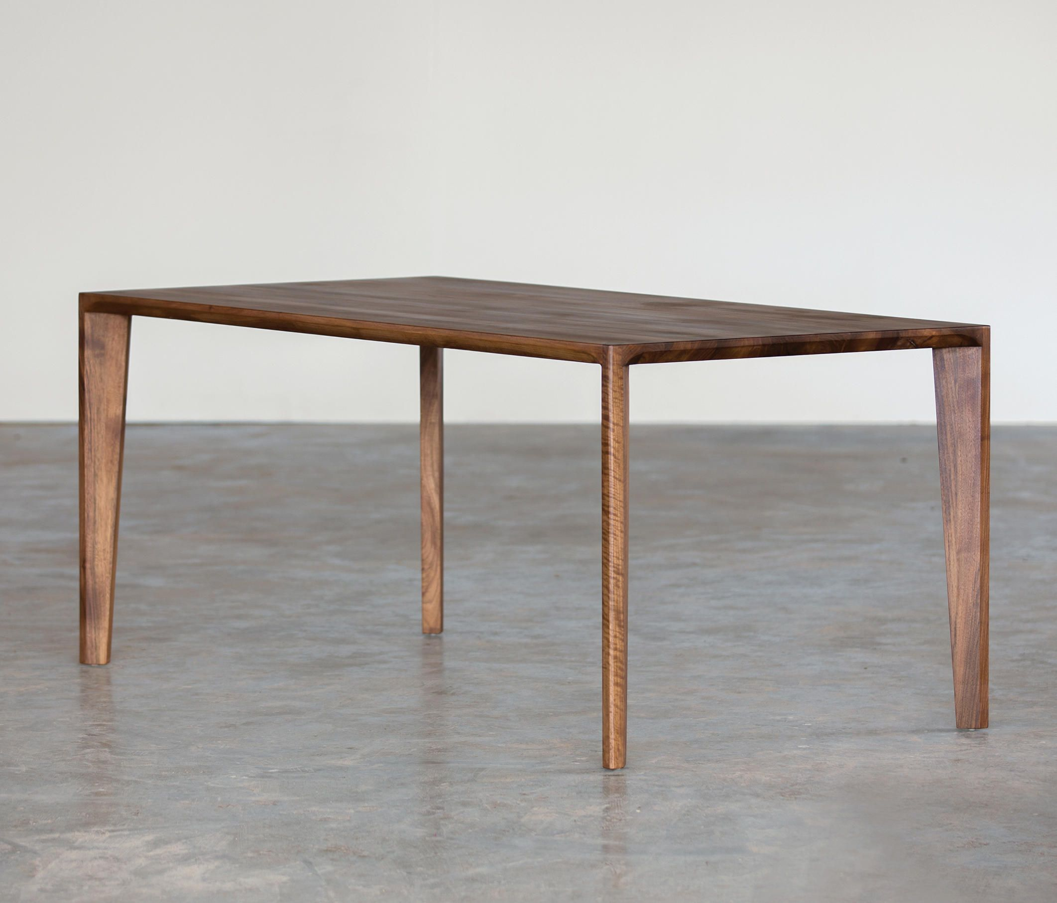 Hanny Table Dining Tables From Artisan Architonic In 2020 Dining Table Furniture Solid Wood Dining Table