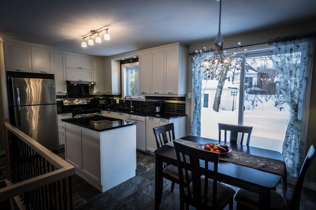 Ce bungalow des ann es 70 a t actualis par une touche for Devenir designer interieur
