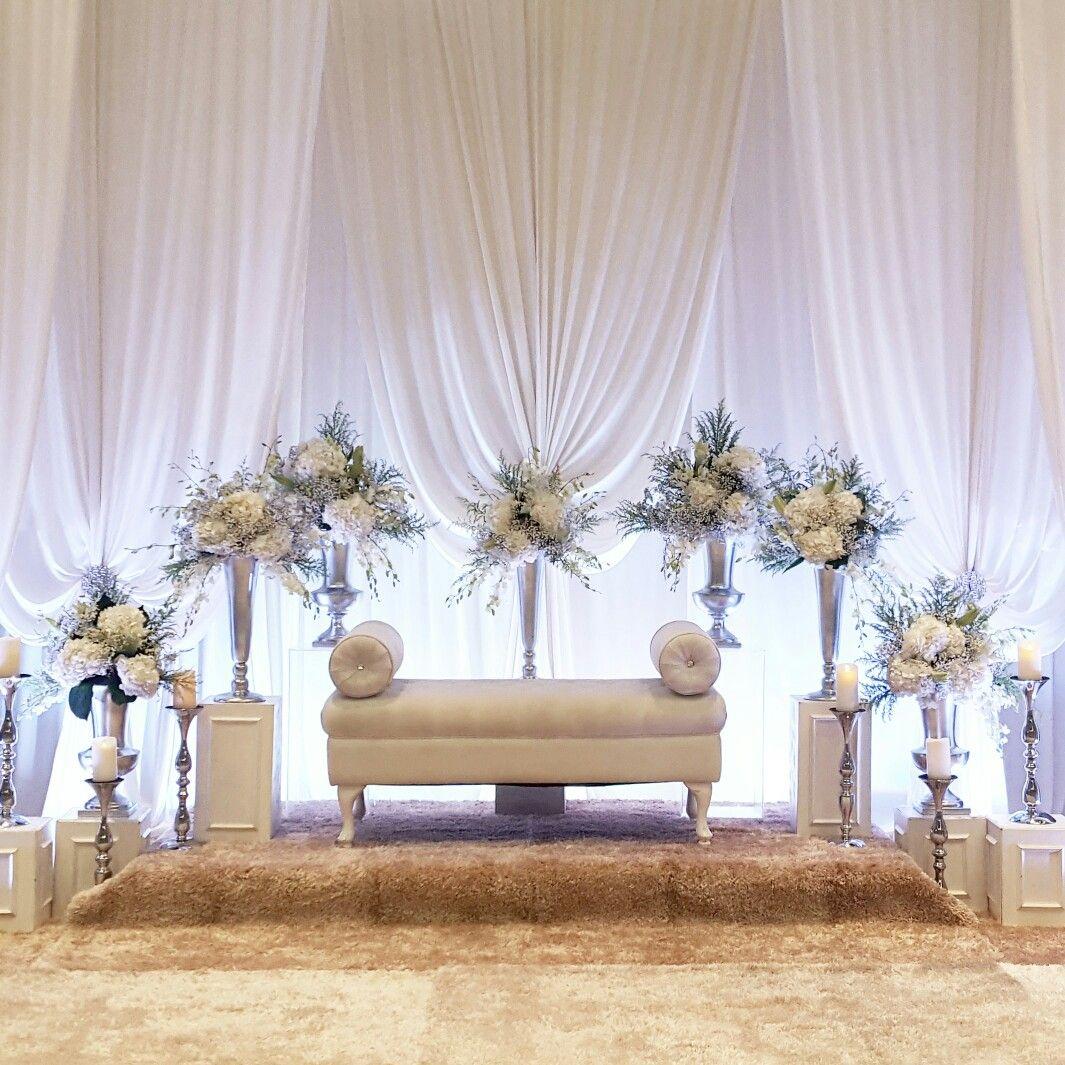 White Theme Wedding Decor: Wedding Stage Decorations, Wedding