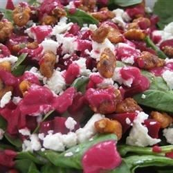 cool Spinach and Goat Cheese Salad with Beetroot Vinaigrette Recipe