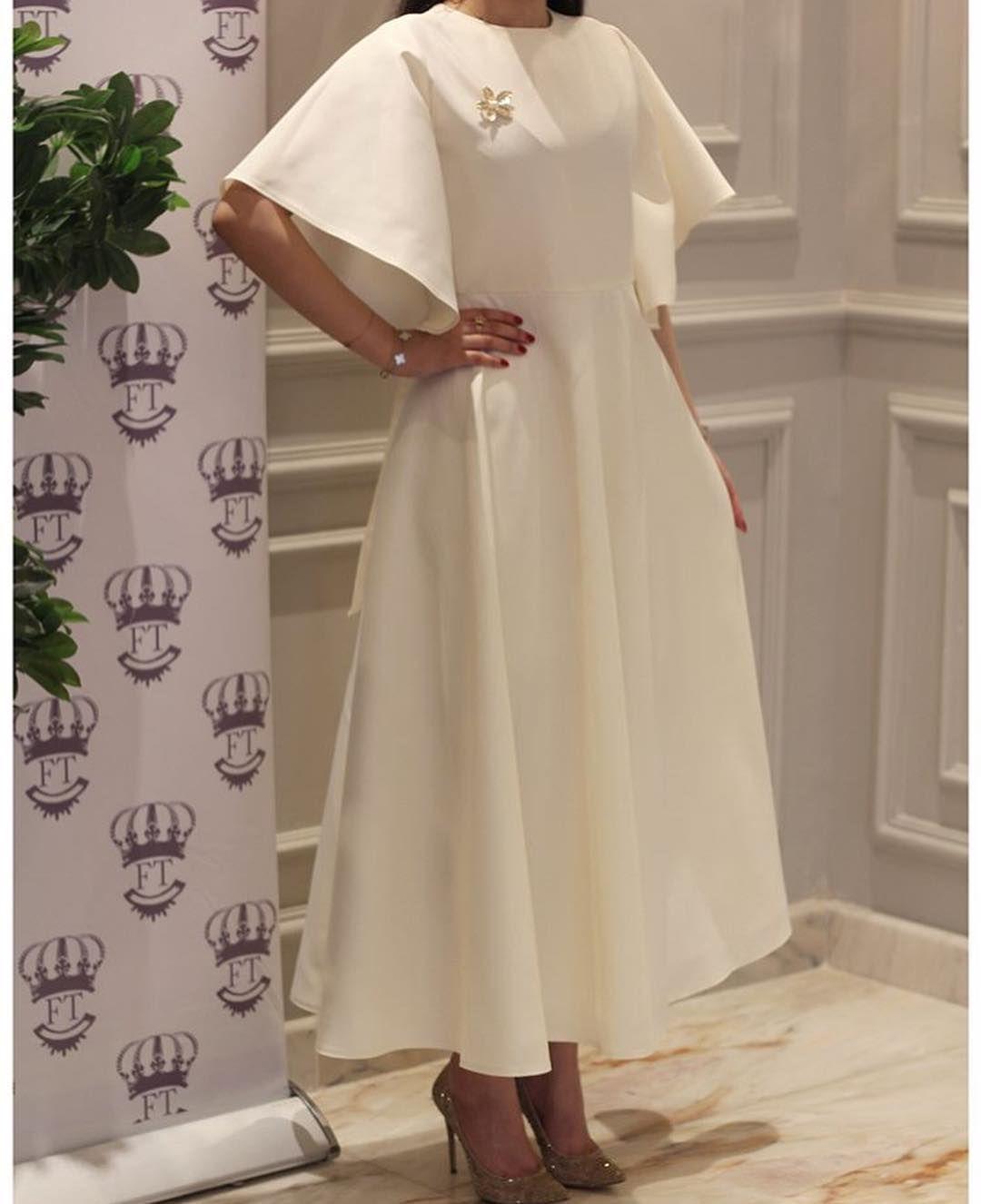 Faashshion 123 On Instagram نبذة عن جم ال و أناقة الأبيض أكثر فستان عجبكم تجميع خبيرات التجميل Modest Fashion Dresses Fashion