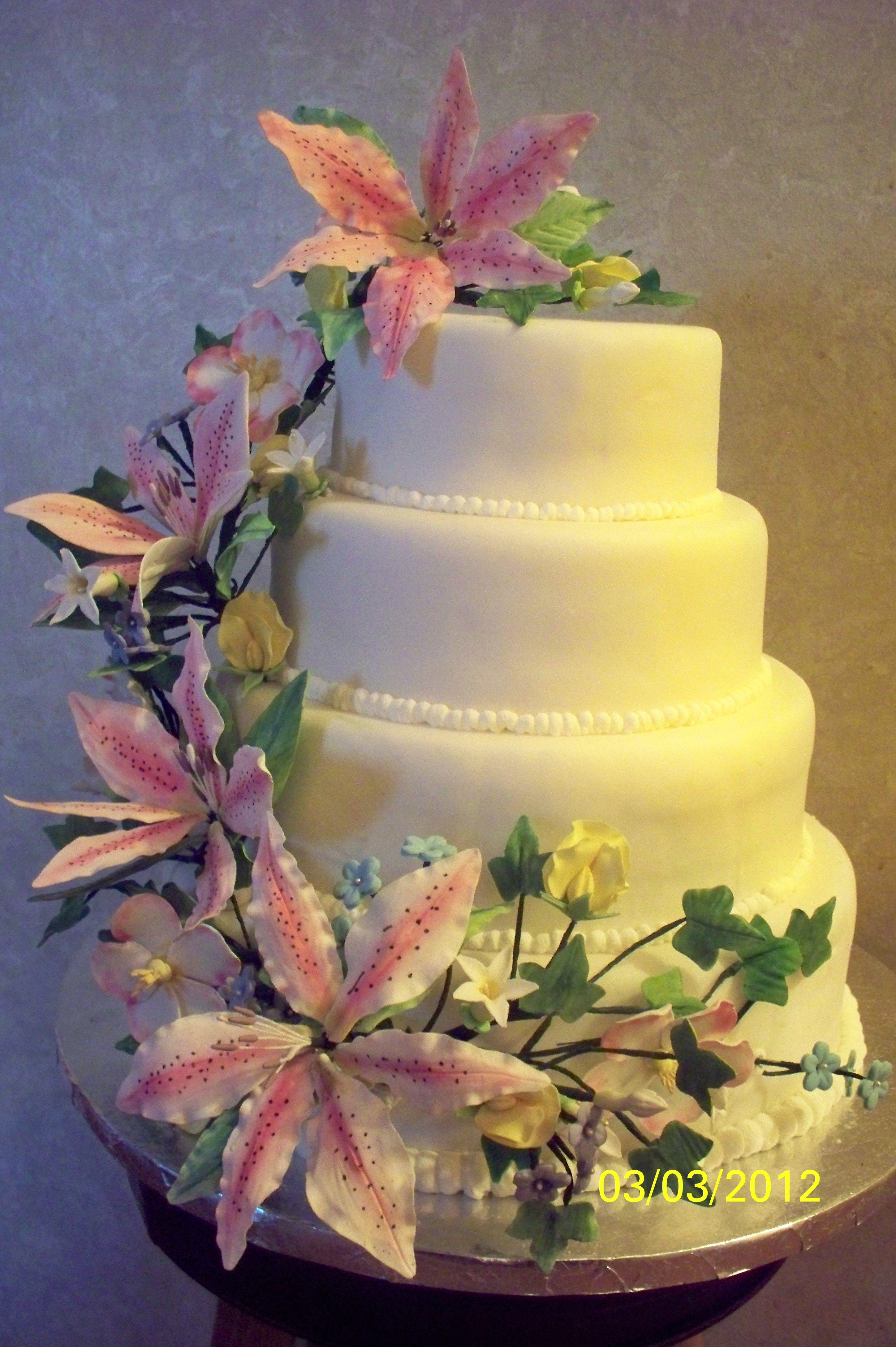 Michaels Arts Crafts Cincinnati Oh Gum Paste Flowers Cake Gum Paste Flowers Fondant Cake Tutorial