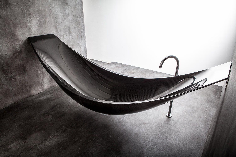 Hanging bathtube made of carbon.  Hängematte ideen, Badewanne