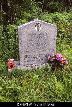 Sonny Boy Williamson II grave - Tutwiler, Mississippi, USA http://www.alamy.com/stock-photo-tutwiler-mississippi-usa-grave-of-aleck-miller-known-as-sonny-boy-68071133.html