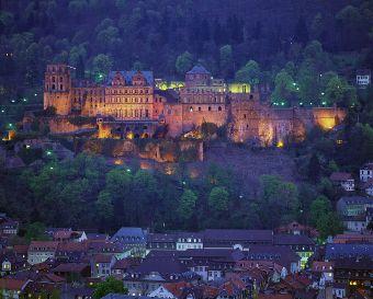 Heidelberg Castle Castle Gardens Heidelberger Schloss Bei Nacht C Cowin Germany Castles Places To Go