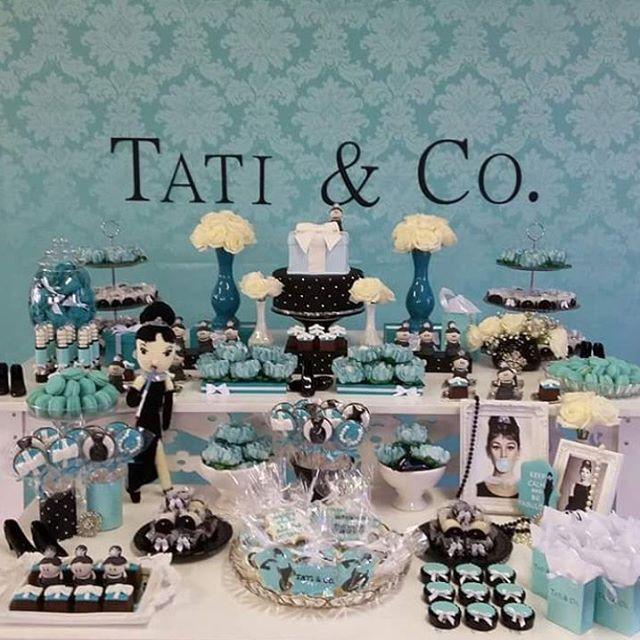 178e59af91c1a  mulpix A cor do momento  Azul Tiffany! Aliada ao preto e ao tema  Bonequinha de Luxo, deixou a festa muito charmosa!