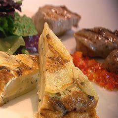 Tortilla met gegrild varkenshaasje en pittige paprikasalsa