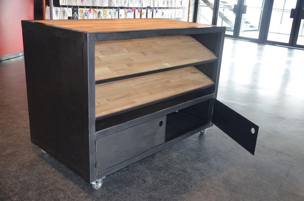 Bureau professionnel en bois et métal réalisée dans un esprit