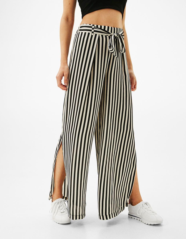 2247ce3e76bc Pantalon large satin ceinture - Pantalons - Bershka France   Jeans ...