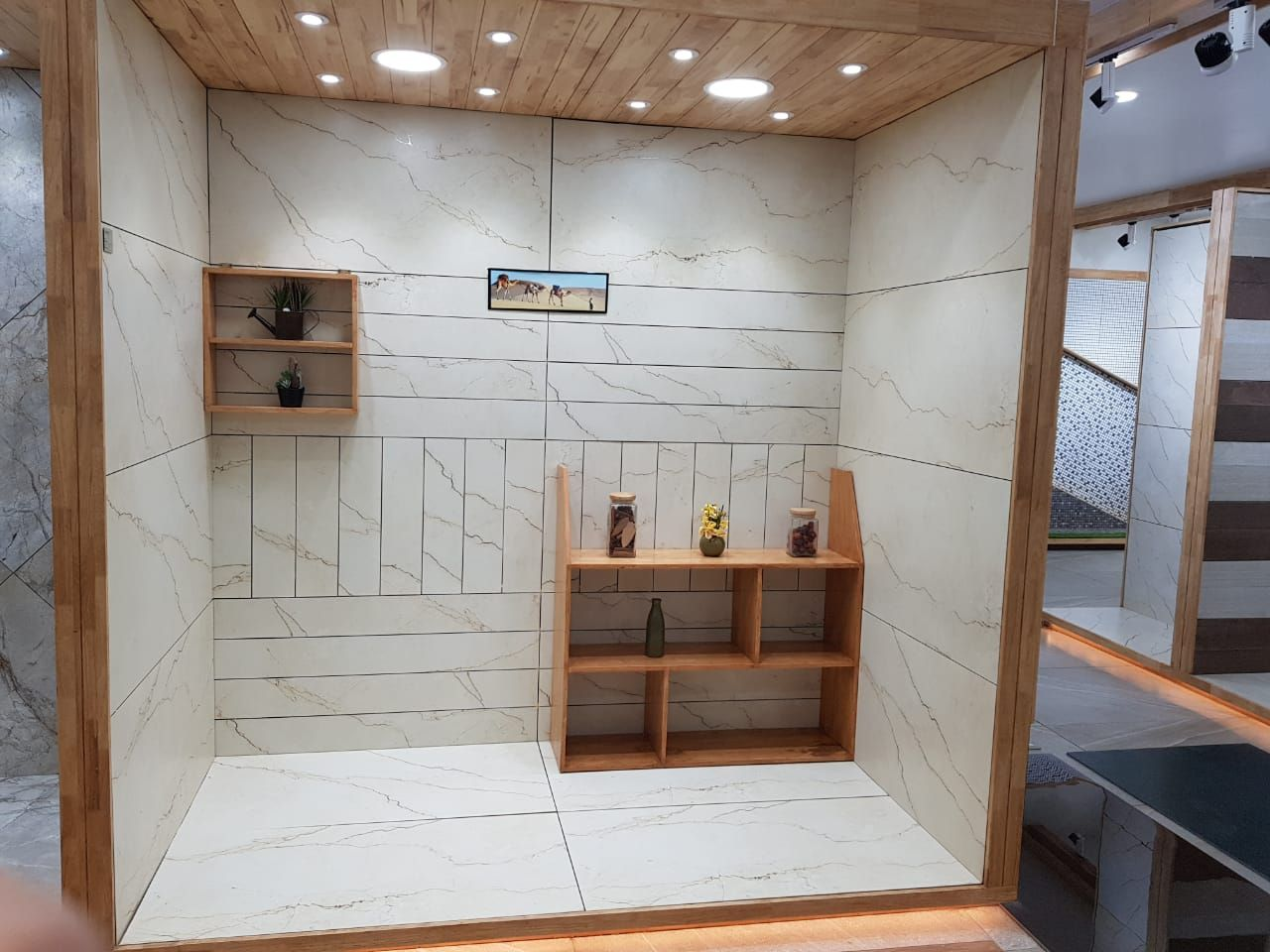 Extending Its Presence In Western India Varmora Recently Inaugurated Its 149th Exclusive Tiles Showroom Natural Marble At Kolha Tile Showroom Tiles Showroom