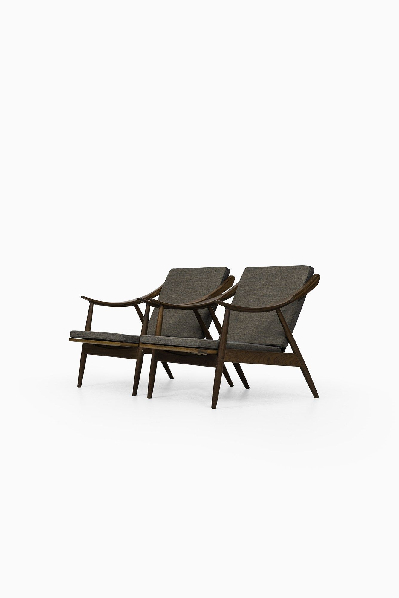 A pair of easy chairs in the manner of Peter Hvidt at Studio Schalling