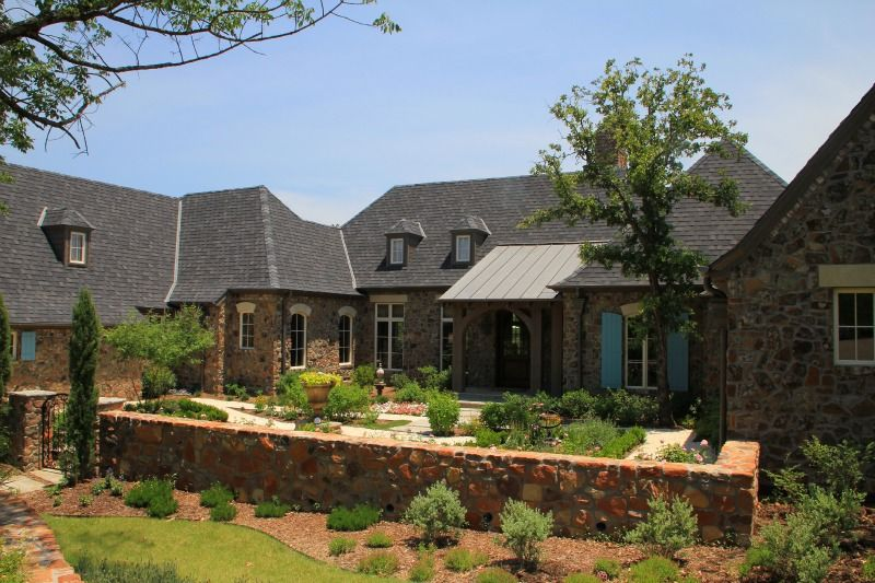 Front of House Designed by Dallas, Texas Architect, Steve Chambers on