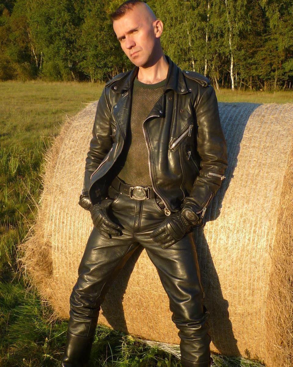Smoke, Leather, Tattoos Leather jacket men, Leather men
