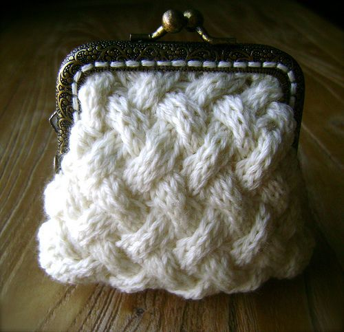 Tiny Coin Purse pattern by Heidi Marie Robinson