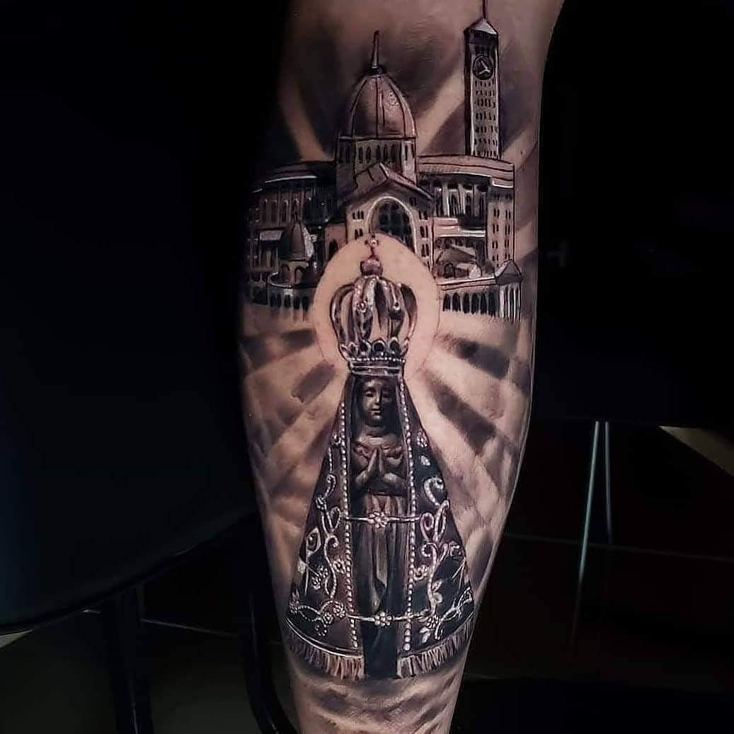 Artist: @adriano.furquim . . . #tattoorealistic #toptattooartist #inkedmagazine #tattoosociety #superbtattoos #tattooworld #tattooarm #tattoounity #neotraditionaltattoos #tattooartists #tattooartwork #tattooinkspiration #tattooaddict #tattooinked #tatooink #thebesttattooartists #tatooaddict #tatoodesign #tattooofinstagram #tattooedcommunity #tattoosp #tattooedpeople #tatoostyle