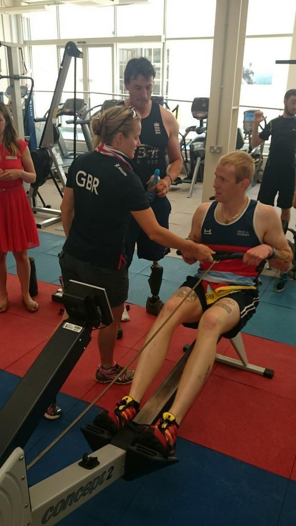 Ashley Getting Some Tips From Paralympic Legend Nick border=