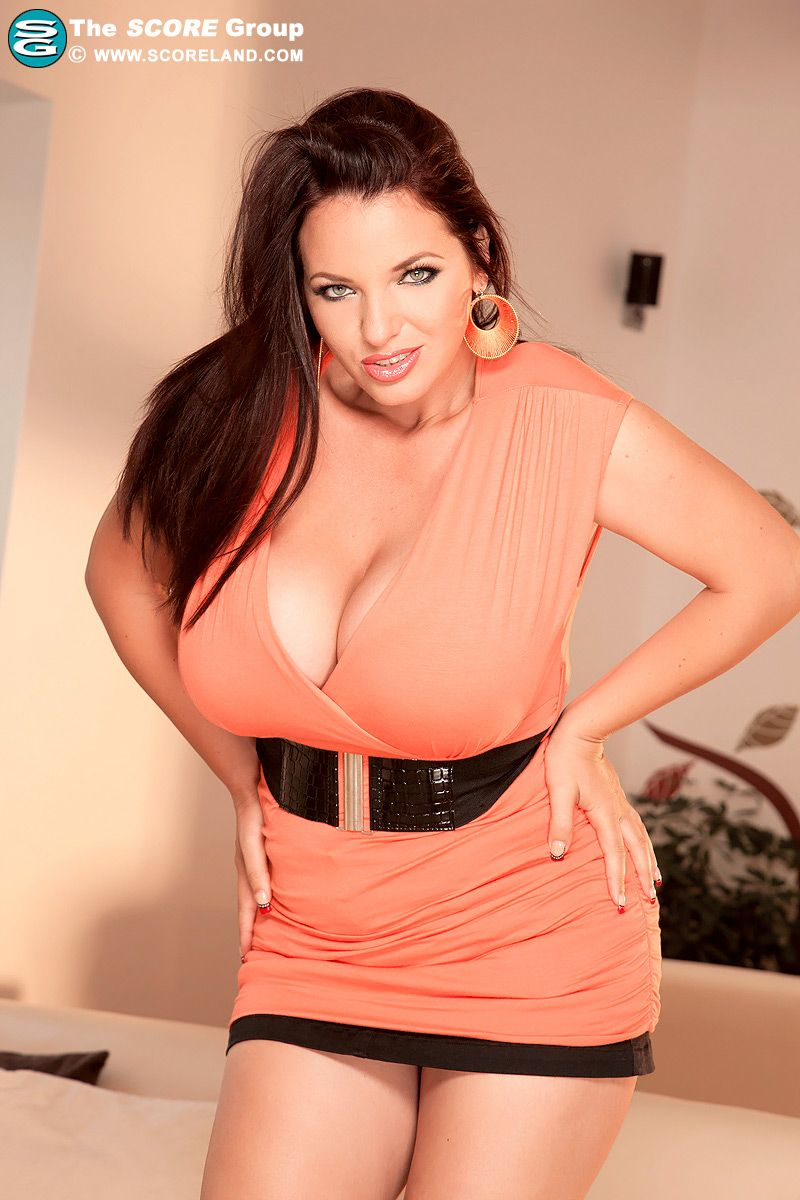 natural Romanian model Joanna Bliss | Curvy Plus Sized ...