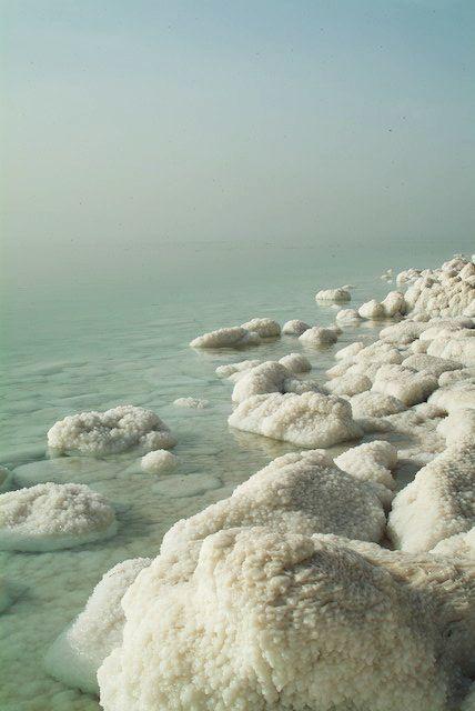 dead sea, israel. Mar Salato. Un giorno queste acque saranno sanate...gloria al Signore. (vedi Ezechiele 47:8-12)
