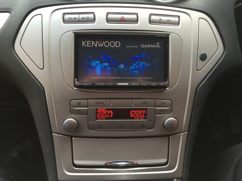 Mondeo gets kitted out with a Kenwood DNX-7150DAB Digital Radio Sat