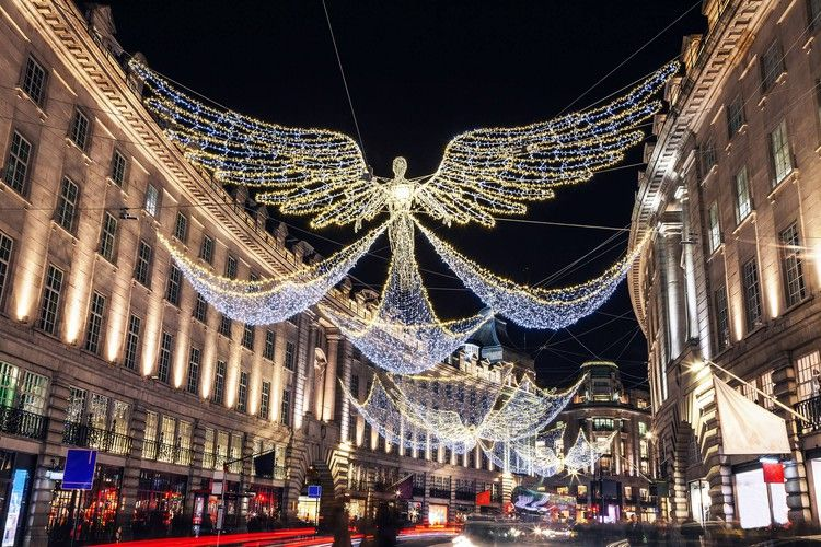 The Best Christmas Lights In London 2019 Conde Nast Traveller London Christmas Best Christmas Lights London Christmas Lights