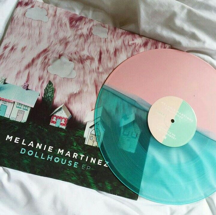 The Person Who Broke You Can T Put You Back Together Mxsicandbands Vinyl Music Melanie Martinez Vinyl Record Player