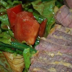 Mustard beef medallions with Tuscan salad