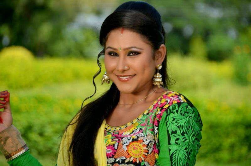 Download Bhojpuri Actress Priyank Pandit Hd Wallpapers Latest Hot