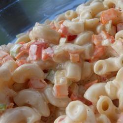 Salade de macaroni, crémeuse @ qc.allrecipes.ca