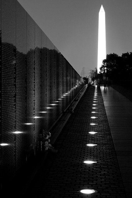 Vietnam War Memorial At Night Vietnam Memorial Vietnam Veterans Memorial War Memorial