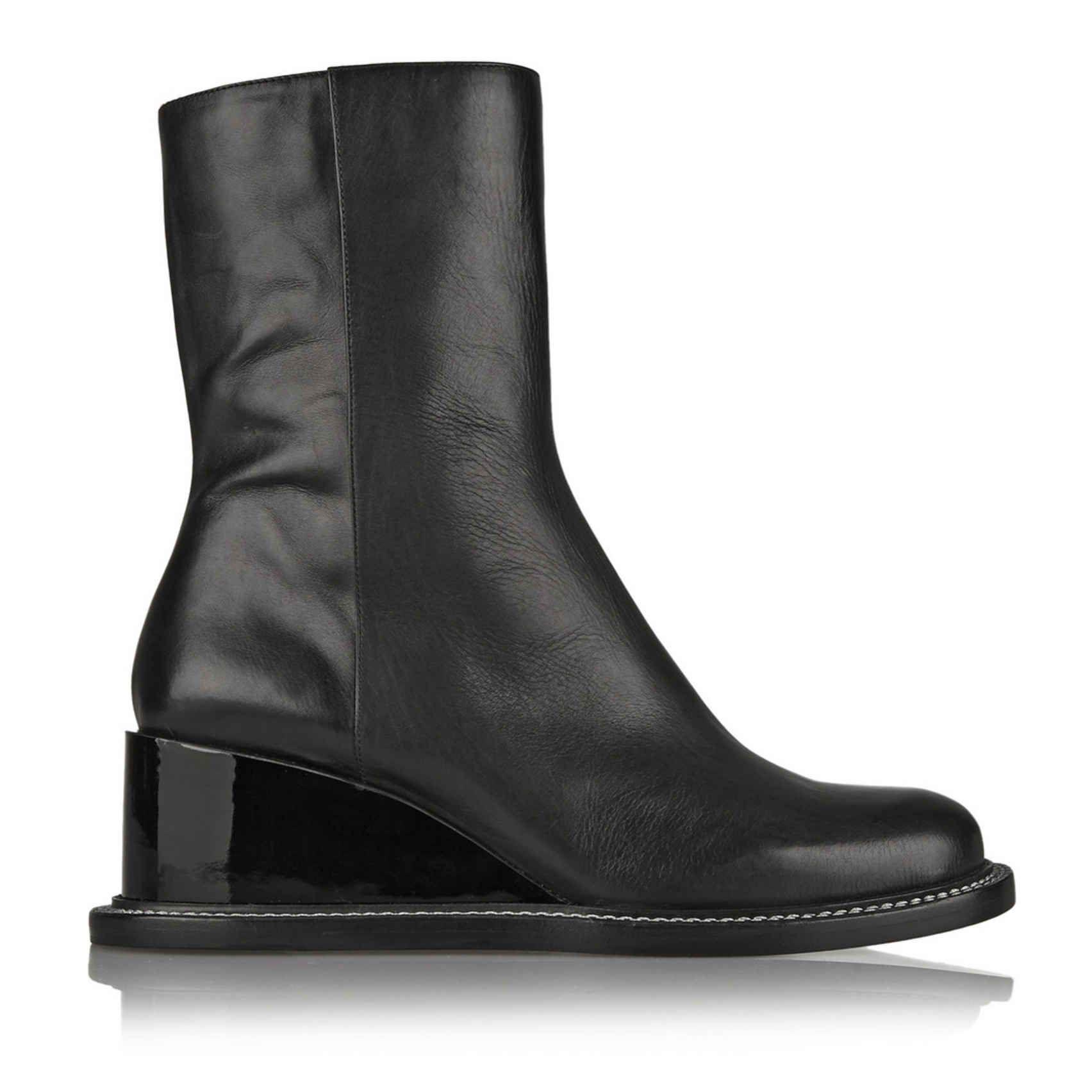 Black dress grey boots xue