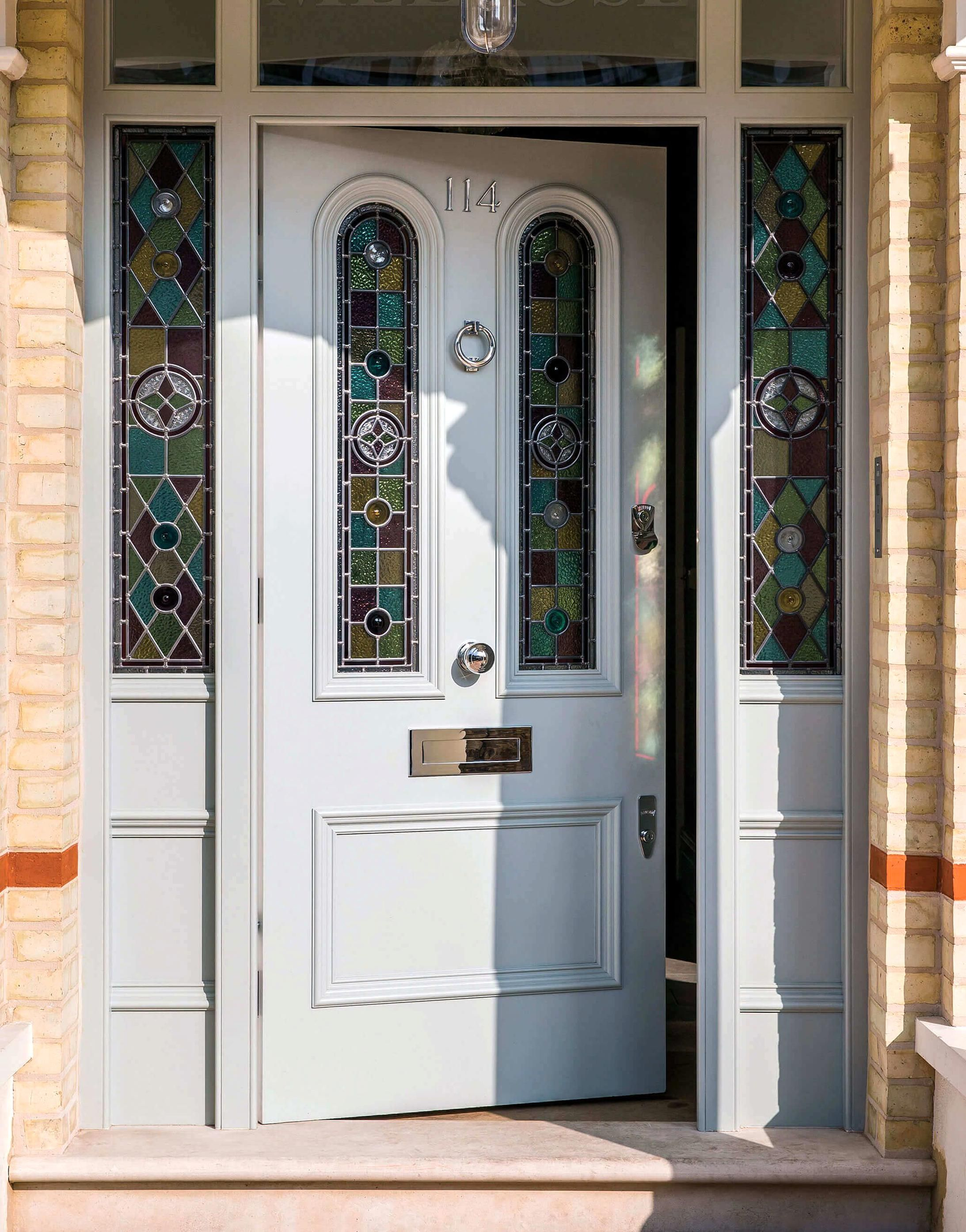 Extra Thick Victorian Glass Door And Doorframe With Stained Glass Arches And Chrome Door Furniture In 2020 Victorian Front Doors Cottage Front Doors Wooden Front Doors