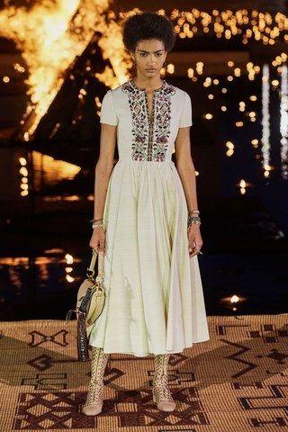 Photo of Christian Dior Resort 2020 – Sfilate di moda | Vogue Germania