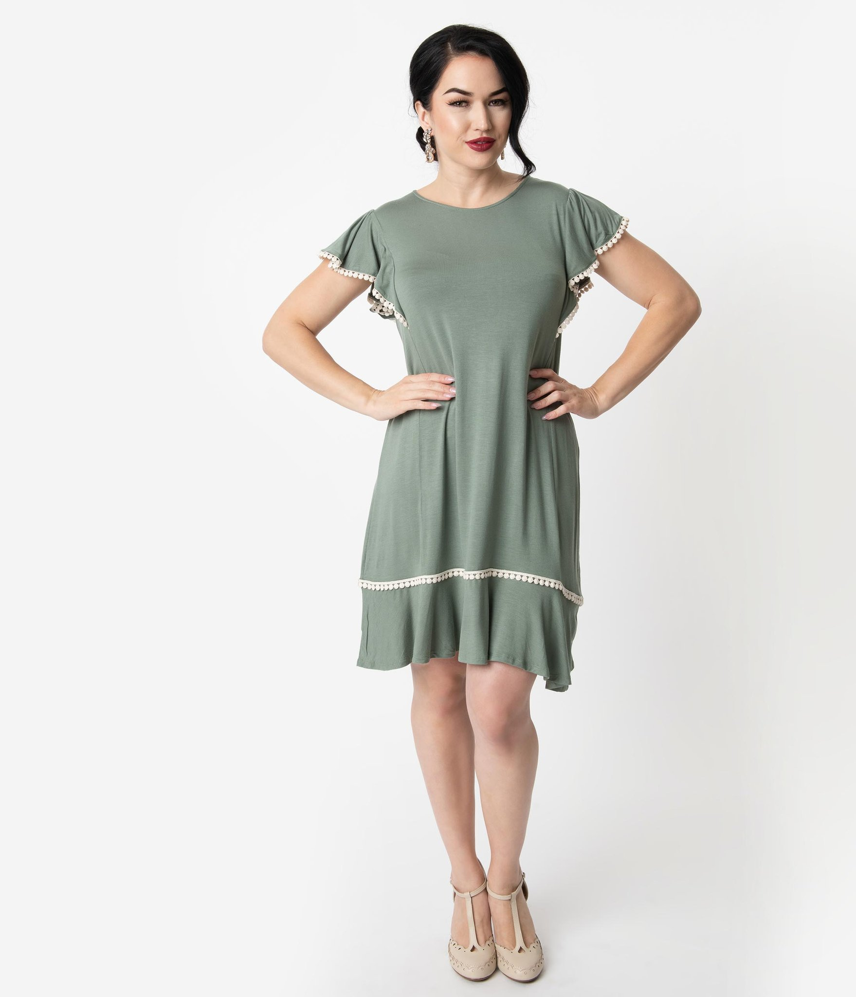 1920s Style Sage Green Butterfly Sleeve Day Dress Unique Vintage 1920s Fashion Dresses Casual Day Dresses 1920s Fashion [ 2048 x 1759 Pixel ]