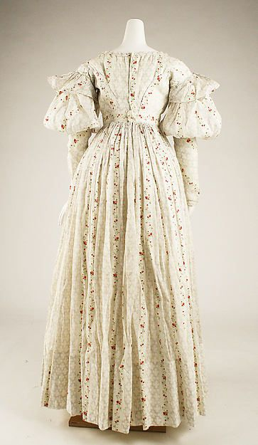 1827 British cotton Morning dress (back view)