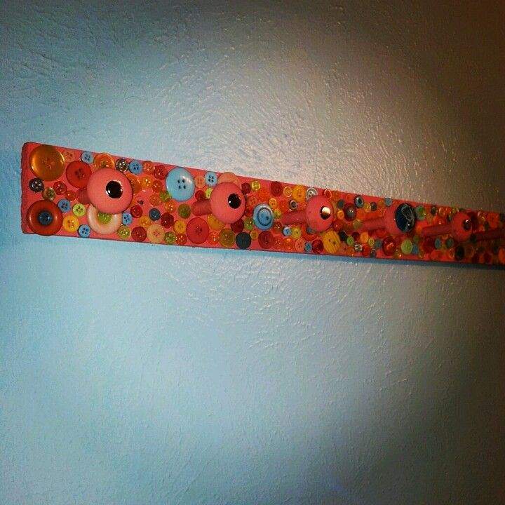 #crafts made this to hang my necklaces in the bathroom :)