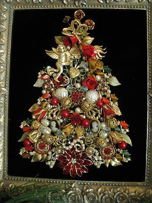 Framed Vintage Jewelry Christmas Tree Art Roses Cherub Heart Cameos Rhinestone Ebay Vintage Jewelry Crafts Jewelry Christmas Tree Christmas Tree Art
